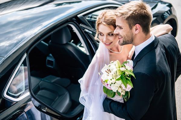 Przewozy okolicznościowe wynajem aut na wesele
